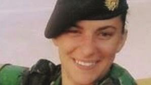 """""""Não se fez justiça pela Carla"""", diz mãe de guarda atingida com tiro mortal do formador"""