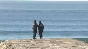 Morreu a criança que ficou inanimada após mergulho em praia nos Açores