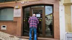 Banca ensina clientes seniores a mexer em contas digitais