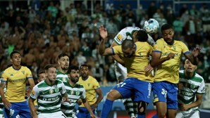 Arranca a segunda parte do Estoril 0-0 Sporting. Siga ao minuto