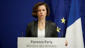 Ministra francesa da Defesa cancela encontro com homólogo britânico após crise diplomática