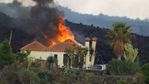 Cerca de 300 habitantes retirados devido ao avanço da lava de vulcão em La Palma