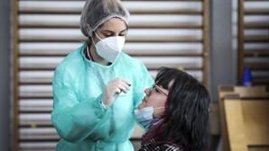 Vacinados contra Covid-19 deixam de precisar de testes em eventos desportivos, culturais e familiares