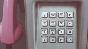 Desconhecidos roubam cabine telefónica desativada em parque de diversões nos EUA