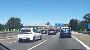 Despiste de camião condiciona trânsito na A3