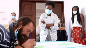 """BE quer continuar resposta aos sem-abrigo em Lisboa e alargar """"Housing First"""""""
