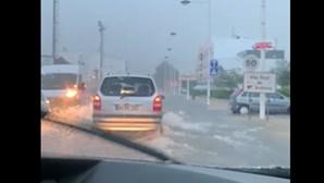 Ruas inundadas em Vila Real de Santo António devido a chuva forte
