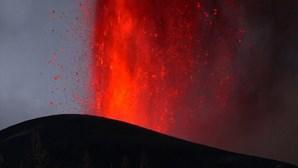 Novas imagens mostram intensas explosões de lava do vulcão em La Palma