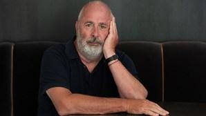 """Morreu Roger Michell, o realizador que dirigiu """"Notting Hill"""""""
