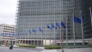 Bruxelas propõe medidas para facilitar circulação de bens para Irlanda do Norte