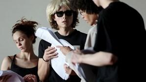 Musical sobre Andy Warhol no palco com elenco português