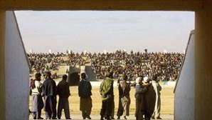 Talibãs aplicam corte de mãos e execuções como castigos no Afeganistão