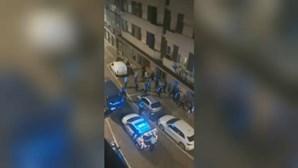 Jovem espancado em rixa numa festa ilegal no centro do Porto