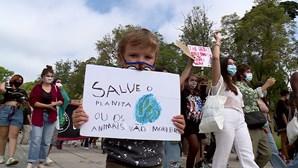 Milhares de jovens em protesto pela defesa do clima