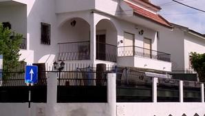 Coveiro de 26 anos preso por assalto a moradia em Almada