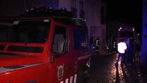 Família de seis pessoas desalojada após incêndio em casa em Alcobaça