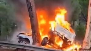 Três mortos em despiste seguido de incêndio na EN10 no Montijo