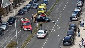 Despiste corta trânsito na Avenida das Forças Armadas em Aveiro