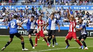 Atlético de Madrid falha subida à liderança com derrota frente ao Alavés
