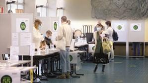 Autarquias obrigadas a limpar locais de voto para as eleições devido à Covid-19