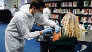 Utentes elegíveis para vacina da gripe vão ser chamados pelo SNS