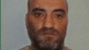 """Juízes dizem que homem que sequestrou e violou meninas foi """"desumano e cruel"""""""