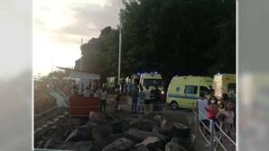 Três pessoas assistidas após derrocada na praia Formosa na Madeira