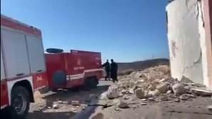Um morto e nove feridos após sismo de magnitude de 5,8 na ilha de Creta, na Grécia