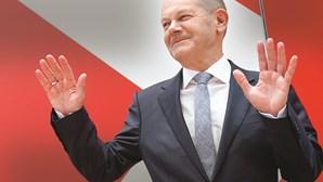 Novo ciclo político: Scholz quer governar na Alemanha sem o partido de Merkel