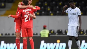 Jesus muda equipa do Benfica para enfrentar o Barça