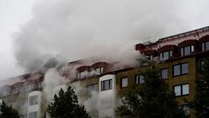 Pelo menos 25 feridos numa explosão em edifício na Suécia