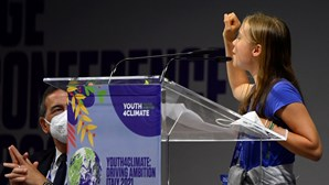 """Greta Thunberg em conferência sobre clima critica """"blá blá blá"""" dos políticos"""