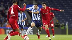 Dragão treme frente ao Liverpool e sofre goleada