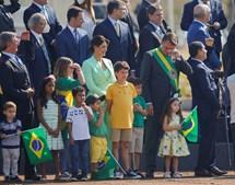 Presidente brasileiro esteve presente e discursou para a multidão de apoiantes.