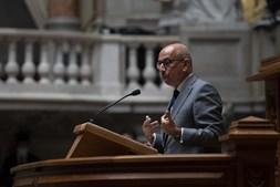 Jorge Sampaio recordado em homenagem no parlamento