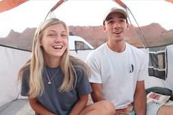Gabby e Brian foram publicando fotos das suas venturas nas redes sociais, algumas das quais mostram os jovens felizes
