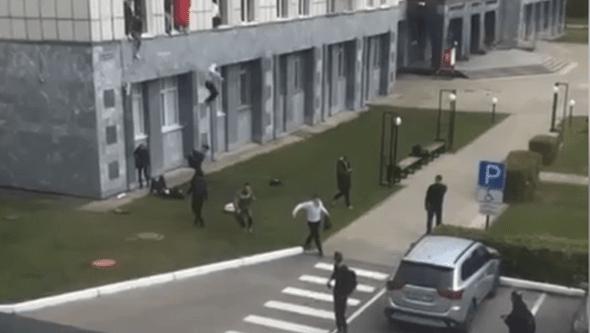 Jovem abre fogo em universidade na Rússia e mata várias pessoas