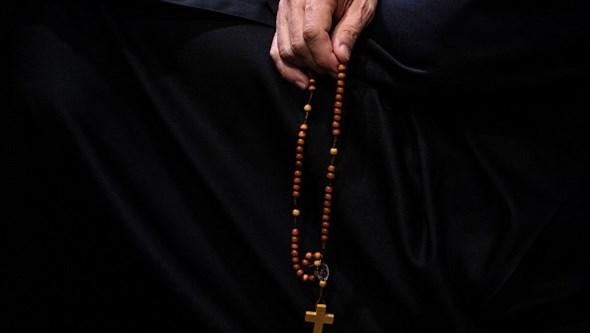 Padre usa dinheiro da paróquia para comprar droga e organizar orgias