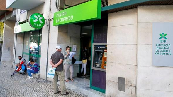 Subsídio até 500 euros para 70% das mulheres no desemprego