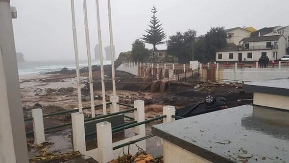 Mau tempo provoca deslizamentos de terra em Ponta Delgada e no Nordeste nos Açores