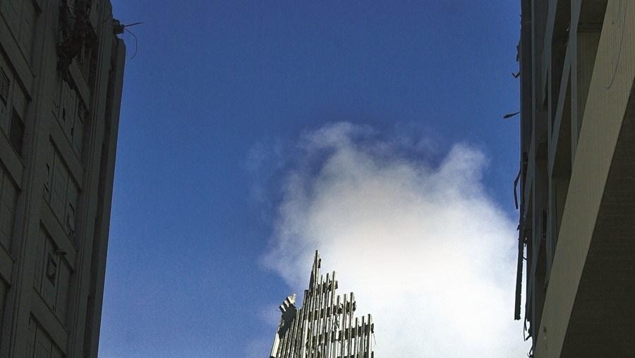 14 de setembro de 2001: A Torre Sul do World Trade Center três dias depois dos ataques