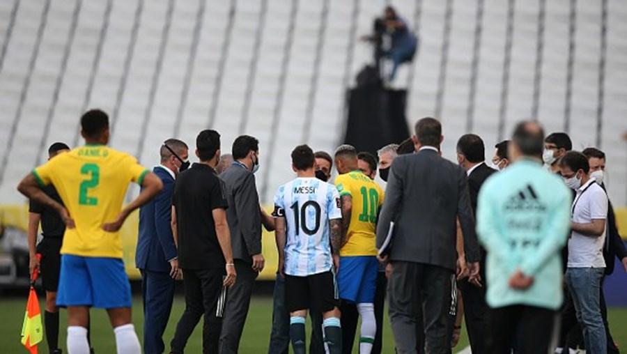 Autoridade sanitária interrompe jogo Brasil-Argentina