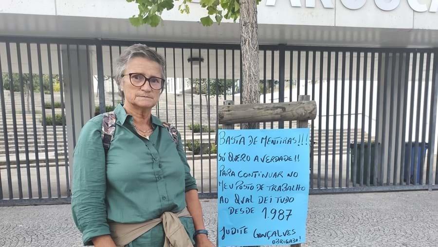 Auxiliar protesta em Arouca contra transferência