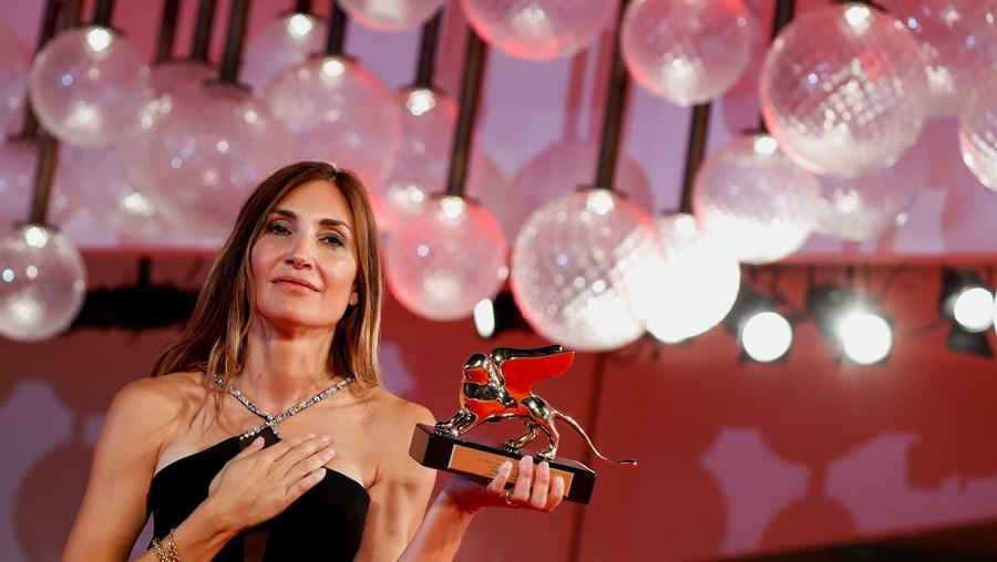 Audrey Diwan ganha o Leão de Ouro no Festival Internacional de Cinema de Veneza
