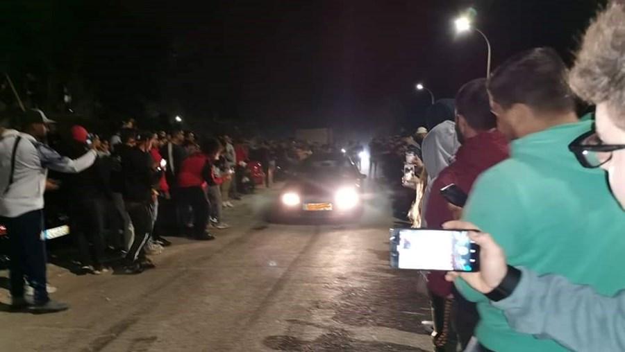 Corridas ilegais atraem multidões