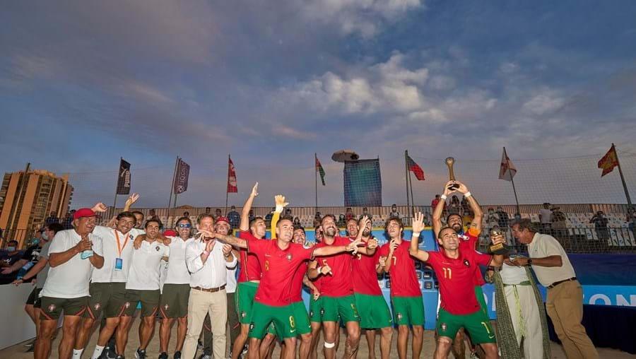 Portugal sagrou-se este domingo tricampeão da Liga Europeia de Futebol de Praia ao vencer a Bielorrússia
