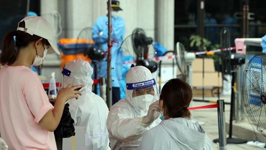 Testagem em Xiamen, na China