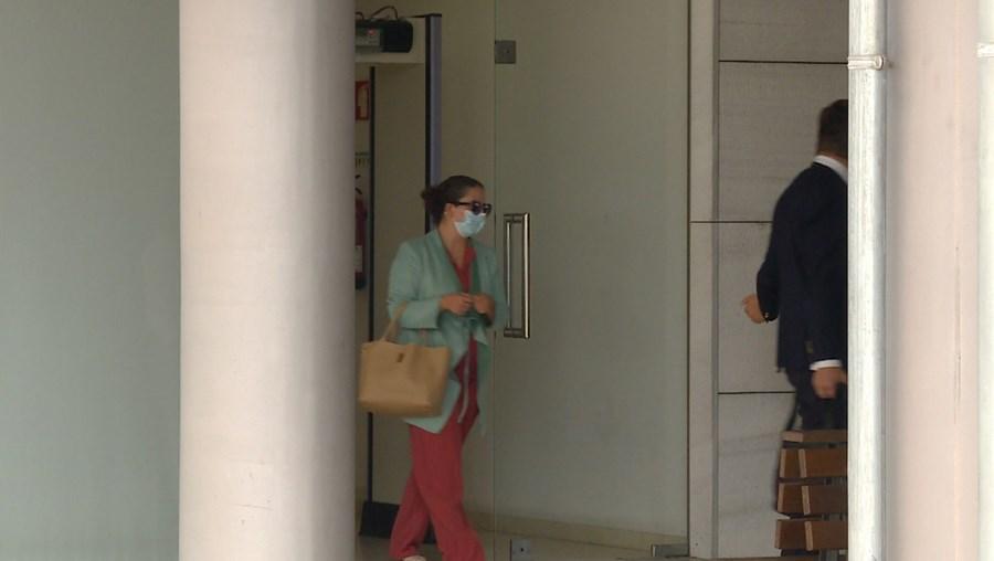 Mulher julgada no Tribunal da Feira