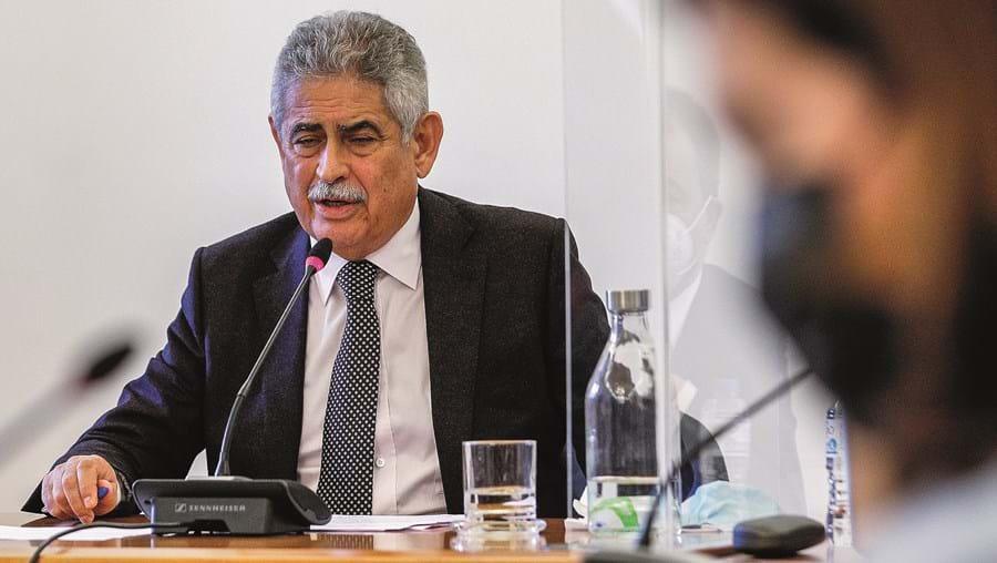 Luís Filipe Vieira está a negociar com o NB a prorrogação do prazo dos VMOC