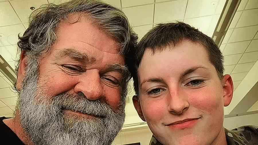 Jovem militar de 19 anos deixa pais em choque ao anunciar que namora com homem de 61